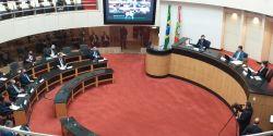 Tribunal que vai julgar impeachment de governador e vice de SC realiza primeira sessão